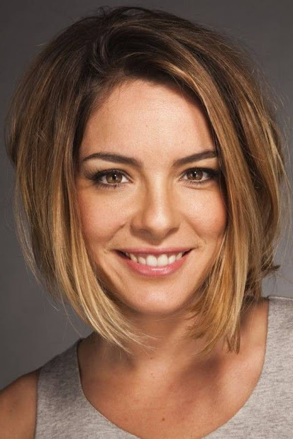 Top Hairstyles Models: Short Haircuts For Thick Hair And Oval Face In Long Haircuts For Oval Faces And Thick Hair (View 4 of 25)