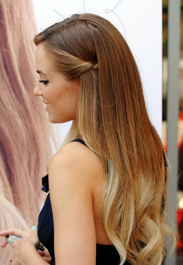 Wedding Hairstyles Down: 15 Romantic And Swoon Worthy – Elasdress With Long Hairstyles Down Straight (View 5 of 25)