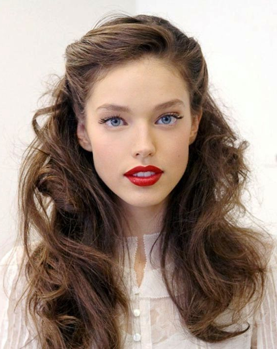 Wonderful 31 Summer Hairstyles Will Make You Look Younger With Long Hairstyles To Make You Look Younger (View 25 of 25)