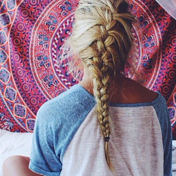 15 Messy Fishtail Braid Ideas For Teenage – Easy Spring Intended For Best And Newest Messy Curly Mermaid Braid Hairstyles (View 24 of 25)