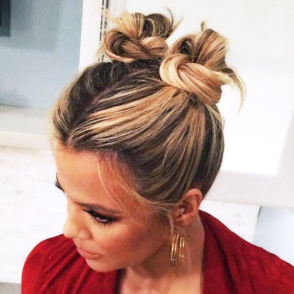 20 Stunning Messy Buns For Short Hair With Newest Minnie Mouse Buns Braid Hairstyles (View 19 of 25)