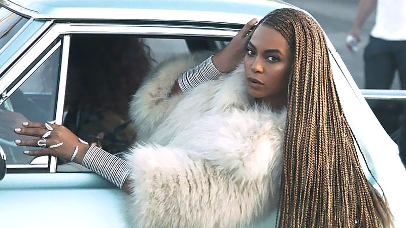 27 Sexy Lemonade Braids You Need To Try – The Trend Spotter Intended For Most Recently Side Swept Twists Micro Braids With Beads (View 20 of 25)