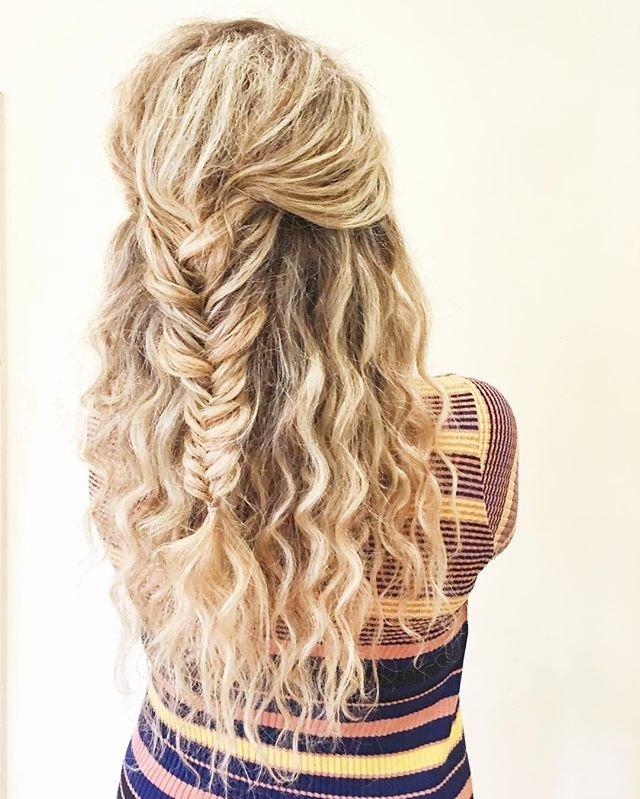 Curly Hair For Homecoming Elegant Fishtail Braid Curly Hair in Newest Elegant Blonde Mermaid Braid Hairstyles