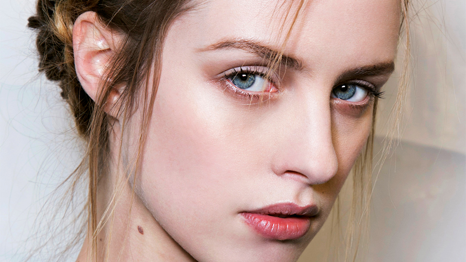 How To Do The Halo Braid On Every Hair Type | Stylecaster Intended For Most Recent Voluminous Halo Braided Hairstyles (View 15 of 25)
