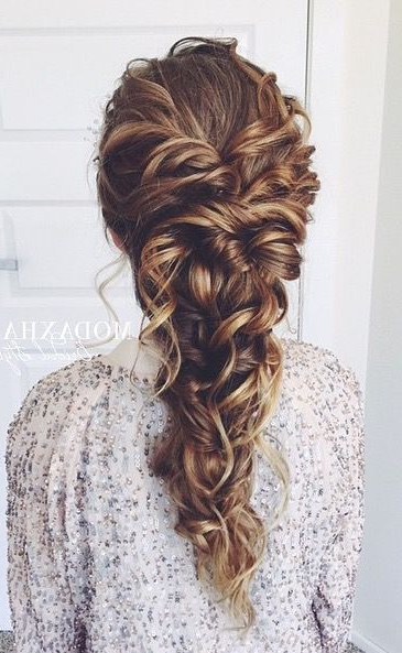 Featured Photo of Messy Curly Mermaid Braid Hairstyles