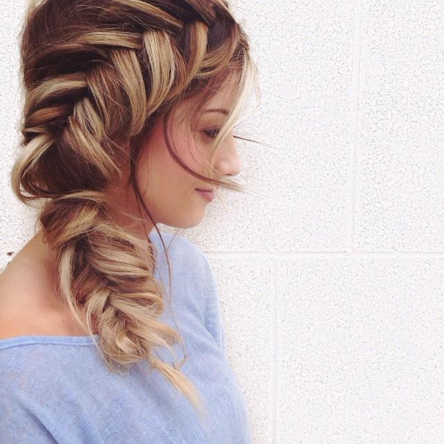 Messy Side Fishtail With Recent Messy Mermaid Braid Hairstyles (View 18 of 25)