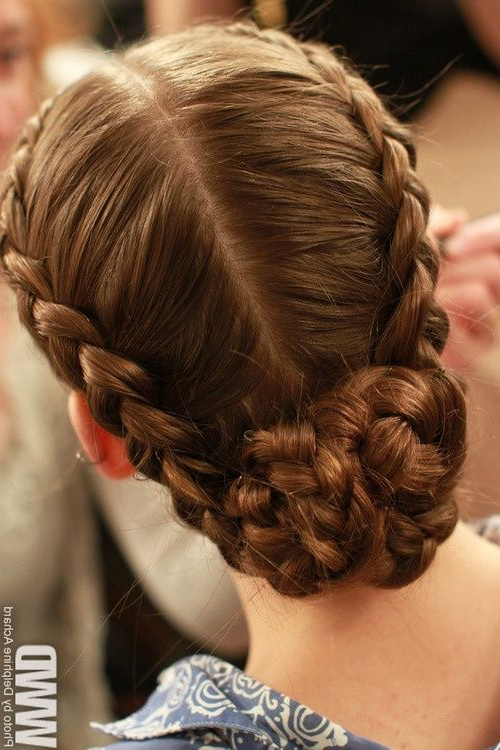 Featured Photo of Medieval Crown Braided Hairstyles