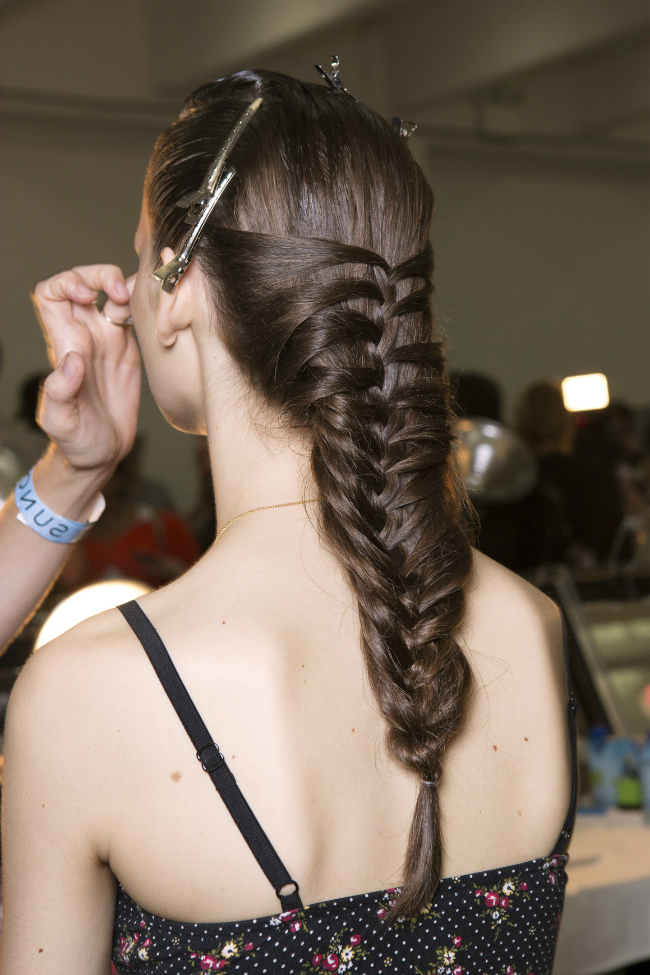 Weekend Hairstyle To Try: The Mermaid Braid | Stylecaster Within 2018 Over The Shoulder Mermaid Braid Hairstyles (View 18 of 25)