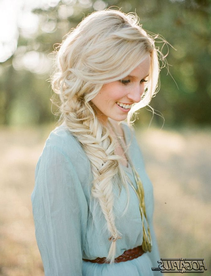 10 Fishtail Braid Hairstyles To Inspire You – Fishtail Braid For Newest Messy Side Fishtail Braided Hairstyles (View 12 of 25)