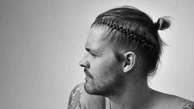 10 Masculine Man Bun Braid Hairstyles To Try – The Trend Spotter Pertaining To Topknot Hairstyles With Mini Braid (View 10 of 25)