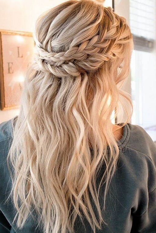 19+ Incomparable Ladies Hairstyles Blonde Ideas | Wedge Inside Most Current Braids And Bouffant Hairstyles (View 2 of 25)