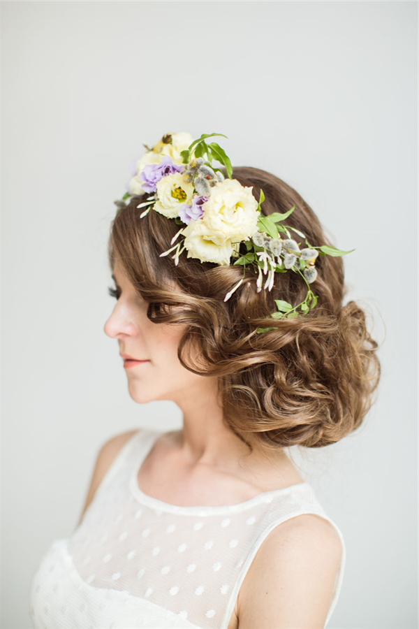 25 Romantic Long Wedding Hairstyles Using Flowers | Deer Pertaining To Romantic Florals Updo Hairstyles (View 17 of 26)