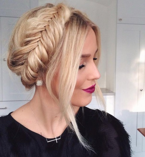 30 Braid Hairstyles For Medium Hair | Herinterest/ In Most Recently Halo Braided Hairstyles With Long Tendrils (View 14 of 25)
