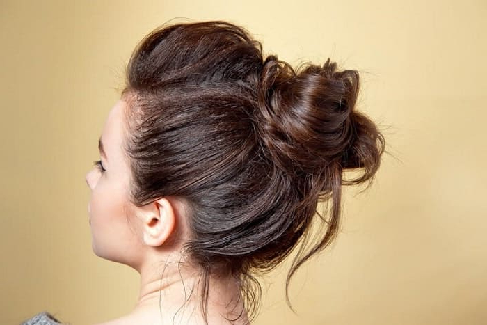 30 Top Notch Messy Buns For Women With Long Hair In Messy Bun Hairstyles (View 9 of 25)