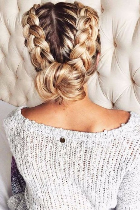 35 Trendy Prom Updos – Hairstyle On Point Inside Dutch Braid Bun Hairstyles (View 18 of 25)