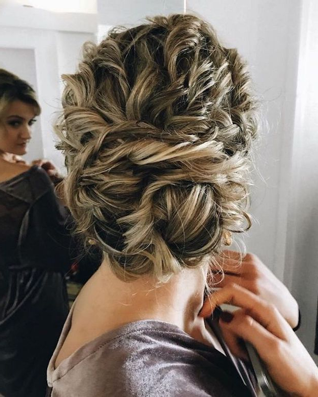 45 Charming Bride's Wedding Hairstyles For Naturally Curly With Regard To Curled Updo Hairstyles (View 21 of 25)