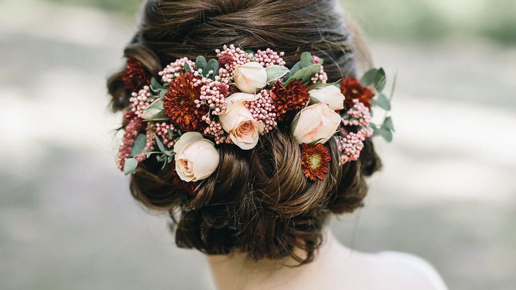 51 Romantic Wedding Hairstyles In Floral Bun Updo Hairstyles (View 24 of 25)