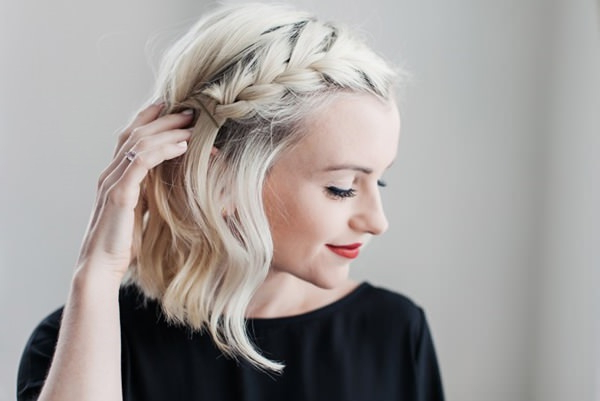 90 Glamorous Side Braids To Try Out This Season Within Latest Headband Braided Hairstyles With Long Waves (View 10 of 25)