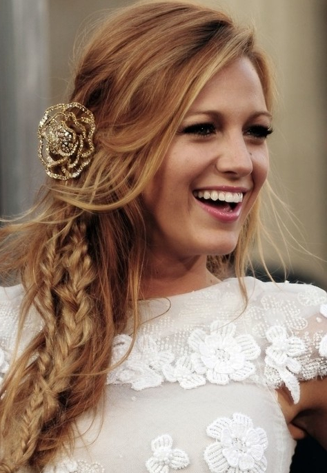 Blake Lively Messy Side Fishtail Braid Hairstyle With Most Current Messy Side Fishtail Braided Hairstyles (View 14 of 25)
