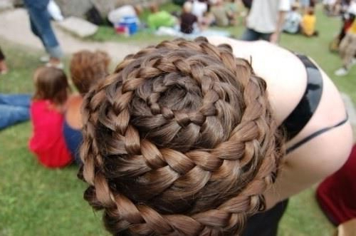 Curly Whirls! – Looks Like A Cinnamon Bun Or A Spiral For Most Recently Cinnamon Bun Braided Hairstyles (View 22 of 25)