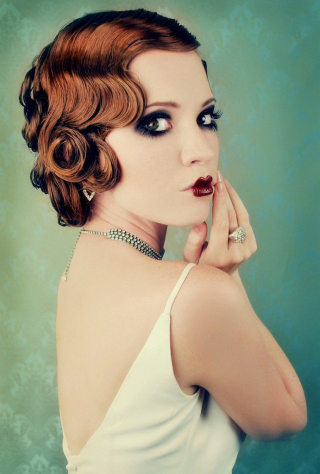 It Girl Style Vintage Curly Hairstyles – Pretty Designs For Retro Curls Hairstyles (View 3 of 25)