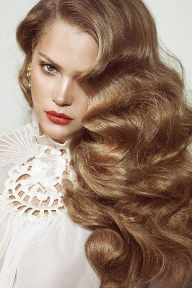 It Girl Style Vintage Curly Hairstyles – Pretty Designs Intended For Retro Curls Hairstyles (View 17 of 25)
