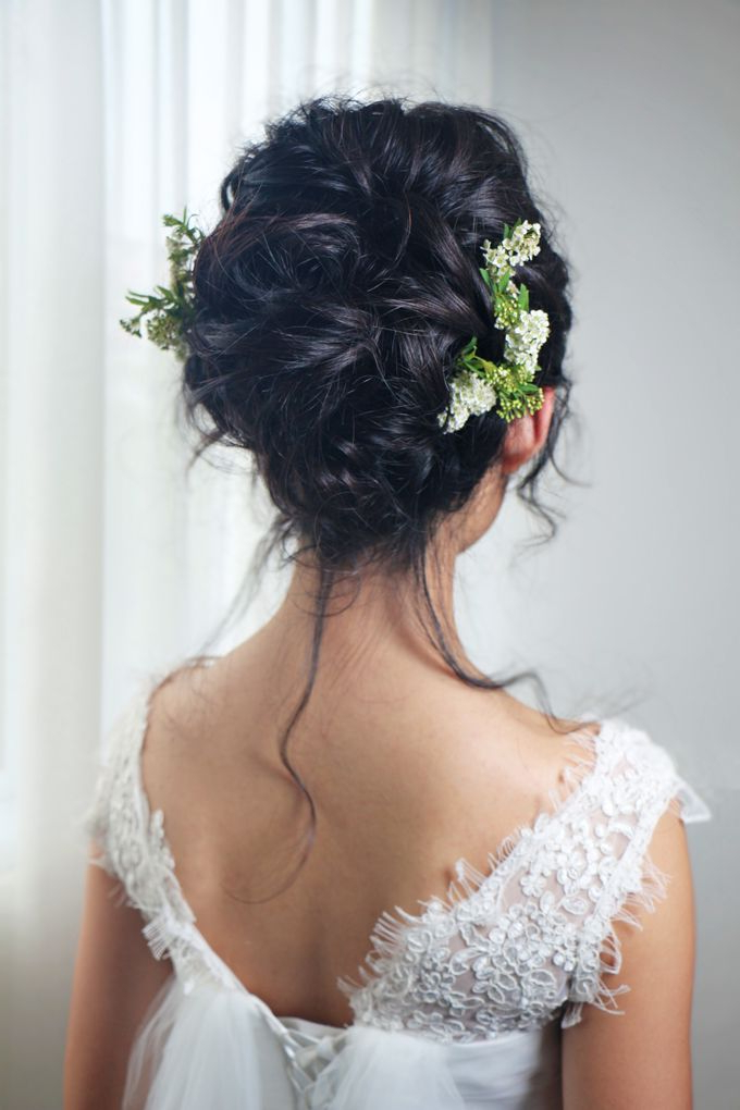 Natural Eyelid Enhancement Makeup Romantic Chic Floral With Regard To Romantic Florals Updo Hairstyles (View 5 of 26)