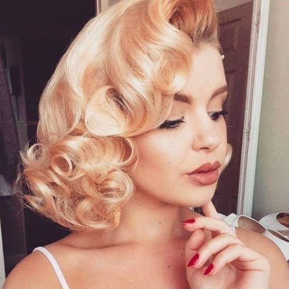 Pin Curl Short Hair Tutorial And Styling Ideas Regarding Pinned Curls Hairstyles (View 6 of 25)