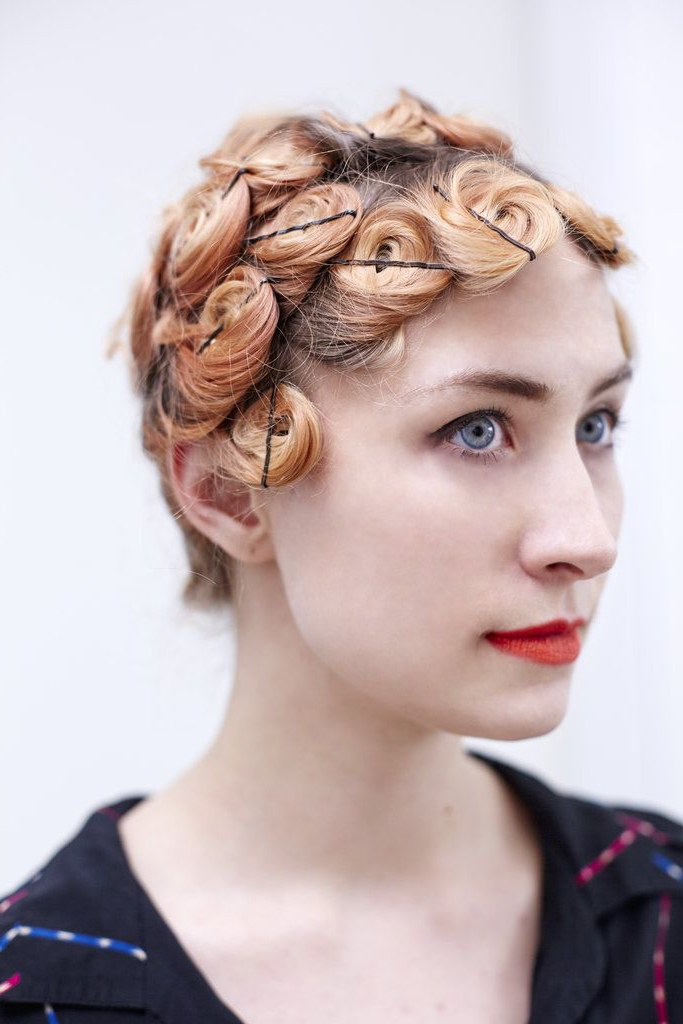 Featured Photo of Pinned Curls Hairstyles