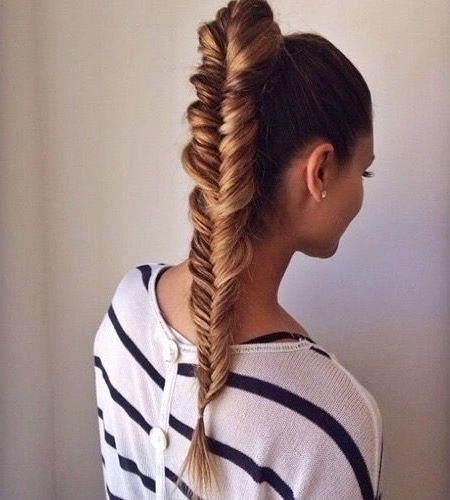 Trança Espinha De Peixe <3 | Hair | Fishtail Hairstyles Intended For Most Up To Date Ponytail Fishtail Braided Hairstyles (View 4 of 25)