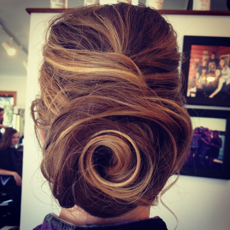 Vintage Look To Glam: Swirl Hair Designs – Pretty Designs Regarding Swirl Bun Updo Hairstyles (View 5 of 25)