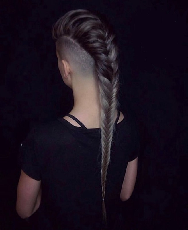 10 Offbeat Mohawk Hairstyles With Shaved Sides For Women Intended For Medium Length Mohawk Hairstyles With Shaved Sides (View 25 of 25)