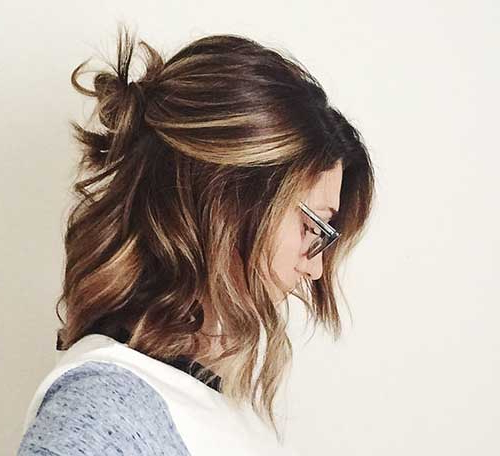 15+ Cute Buns For Short Hair | Short Hairstyles & Haircuts For Cute Bob Hairstyles With Bun (View 3 of 25)