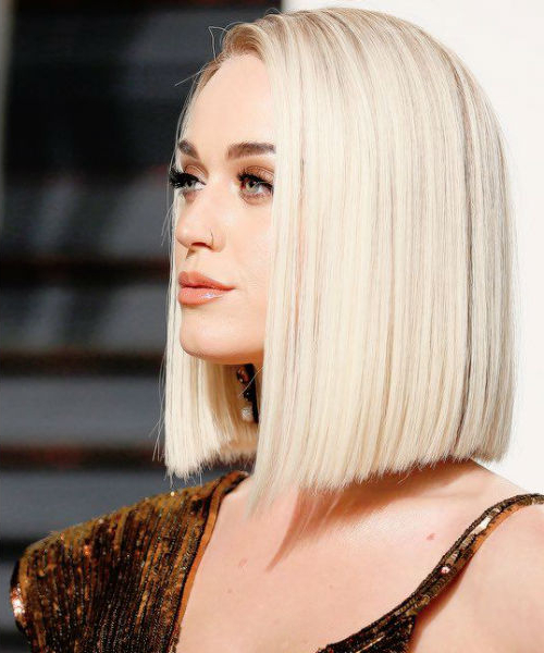 17 Pictures Of Super Stylish Celebrity Blonde Blunt Haircuts Inside Blonde Blunt Haircuts Bob With Bangs (View 9 of 25)