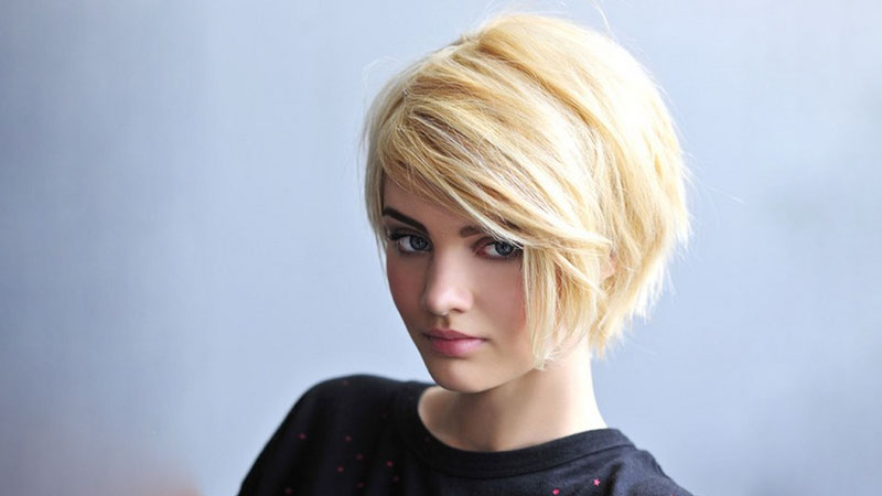 20 Best Inverted Bob Haircuts For Women – The Trend Spotter For Chin Length Bob Hairstyles With Middle Part (View 20 of 25)