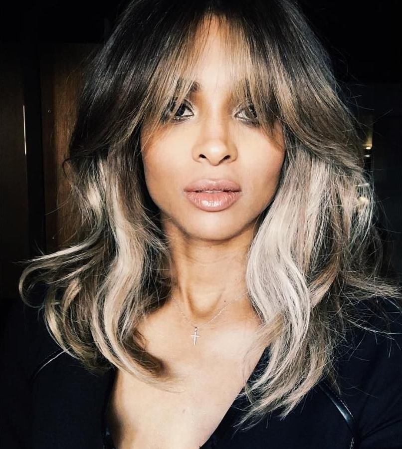 20 Chic Celebs Who Are Proving The Lob Haircut Is Back Regarding Wavy Lob Hairstyles With Face Framing Highlights (View 5 of 25)