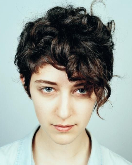 20 Gorgeous Wavy And Curly Pixie Hairstyles: Short Hair Intended For Pixie Haircuts With Bangs And Loose Curls (View 13 of 25)