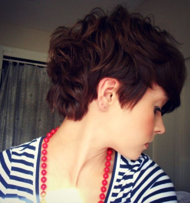 20 Gorgeous Wavy And Curly Pixie Hairstyles: Short Hair Within Pixie Haircuts With Bangs And Loose Curls (View 17 of 25)