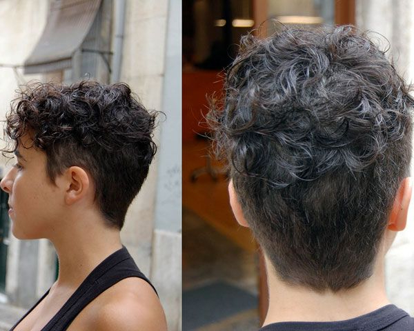 20 Gorgeous Wavy And Curly Pixie Hairstyles: Short Hair Within Pixie Haircuts With Tight Curls (View 20 of 25)