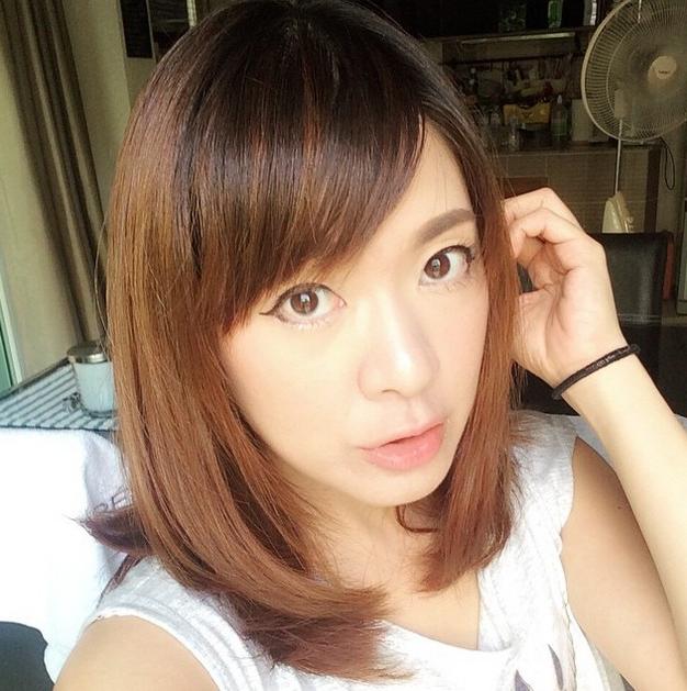 21 Cute Medium Length Bob Hairstyles: Shoulder Length Within Medium Length Bob Asian Hairstyles With Long Bangs (View 8 of 25)