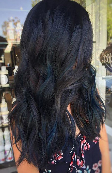 25 Sexy Black Hair With Highlights You Need To Try – The With Long Waves Hairstyles With Subtle Highlights (View 14 of 25)