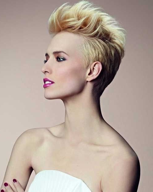 26 Best Short Haircuts For Long Face – Popular Haircuts For Bold Asian Pixie Haircuts (View 18 of 25)