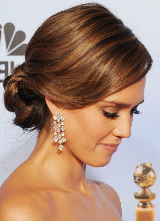 26 Jessica Alba Hairstyles – Popular Haircuts With Elegant Messy Updos With Side Bangs (View 14 of 25)