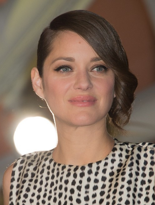26 Marion Cotillard Hairstyles Marion Cotillard Hair With Retro Side Hairdos With Texture (View 24 of 25)