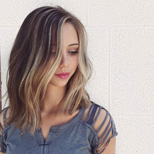 27 Beautiful Long Bob Hairstyles: Shoulder Length Hair Cuts Regarding Wavy Lob Hairstyles With Face Framing Highlights (View 10 of 25)