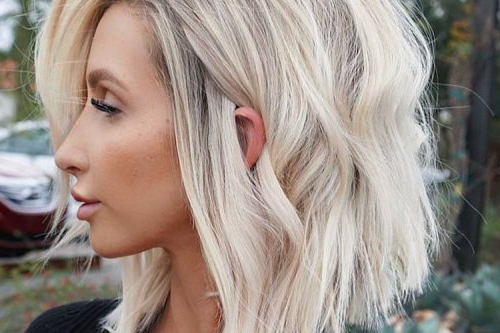 27 Incredible Lob Haircut Ideas For 2019 Intended For Blonde Blunt Haircuts Bob With Bangs (View 15 of 25)