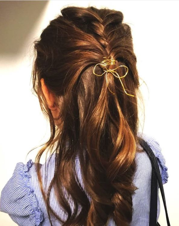 30+ Easy Half Up Hairstyles That'll Only Take Minutes To With Regard To Easy Side Downdo Hairstyles With Caramel Highlights (View 8 of 25)
