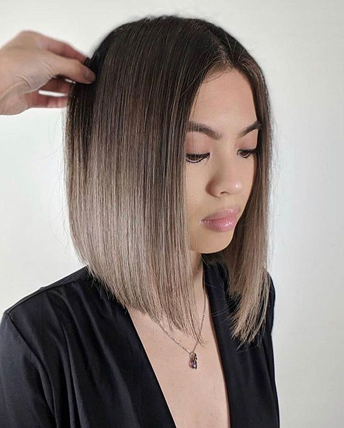 40+ Best Blunt Bob Haircut Ideas 2019 - Short-Hairstyless in Blunt Wavy Bob Hairstyles With Center Part