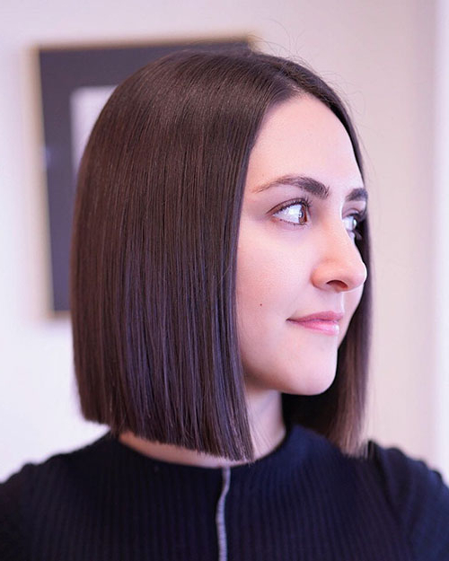40+ Best Blunt Bob Haircut Ideas 2019 - Short-Hairstyless intended for Blunt Wavy Bob Hairstyles With Center Part