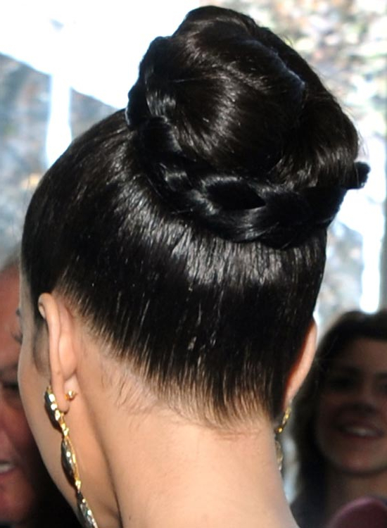 50 Red Carpet Hairstyles Regarding High Bun With Twisted Hairstyles Wrap And Graduated Side Bang (View 4 of 25)